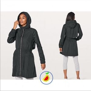 Lululemon pack and glyde jacket